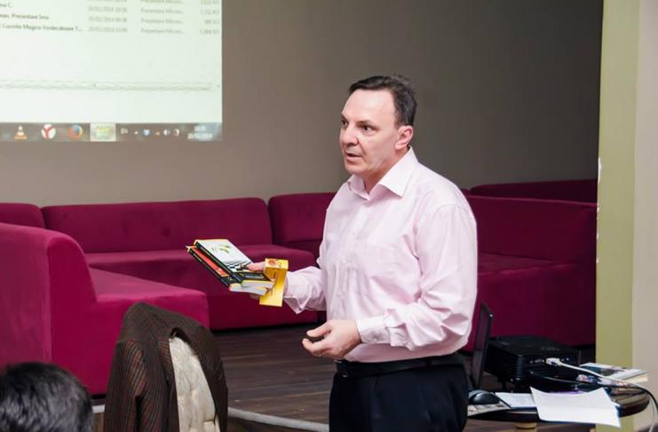 Adrian Iacob, CEO AISUCCES.ro, Consultant strategic de marketing și vânzări online